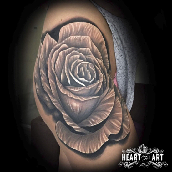 large-rose-thigh-tattoo